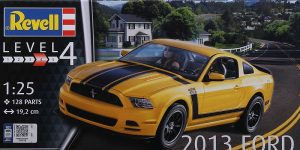 2013 Ford Mustang Boss 302 in 1:25 von Revell # 07652