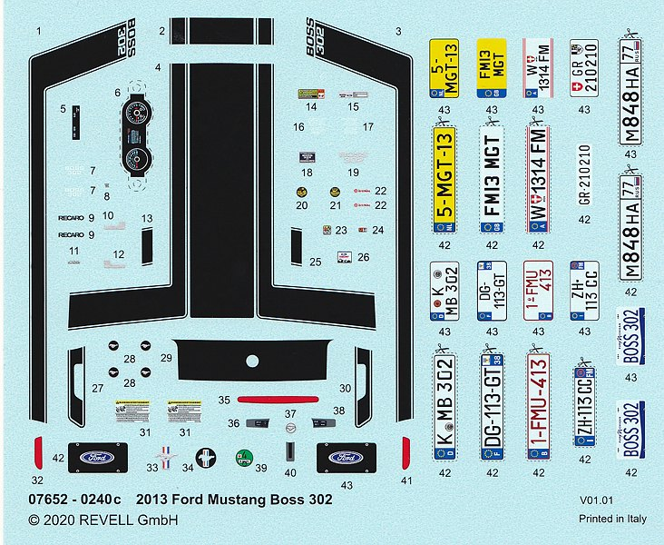 Revell-07652-2013-Ford-Mustang-Boss-302-4 2013 Ford Mustang Boss 302 in 1:25 von Revell # 07652
