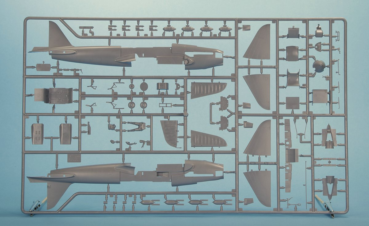 Zvezda-4825-Il-2-6 Soviet Attack Aircraft Il-2 in 1:48 von Zvezda #4825
