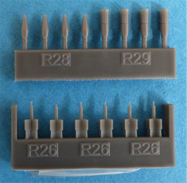 Eduard-648566-und-648567-SUU-20-Dispenser-10 SUU-25 Flare Dispenser und BDU 33 bzw. Mk. 76 Übungsbomben von Eduard in 1:48 #648566 und #648567