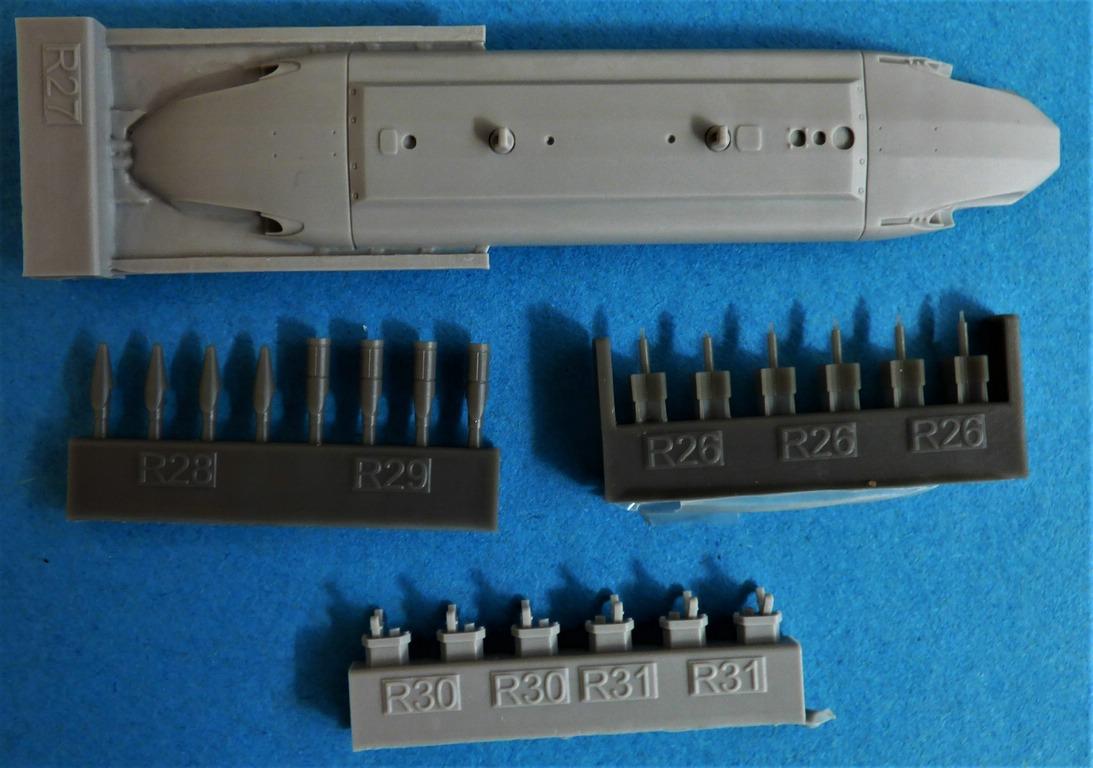 Eduard-648566-und-648567-SUU-20-Dispenser-3 SUU-25 Flare Dispenser und BDU 33 bzw. Mk. 76 Übungsbomben von Eduard in 1:48 #648566 und #648567