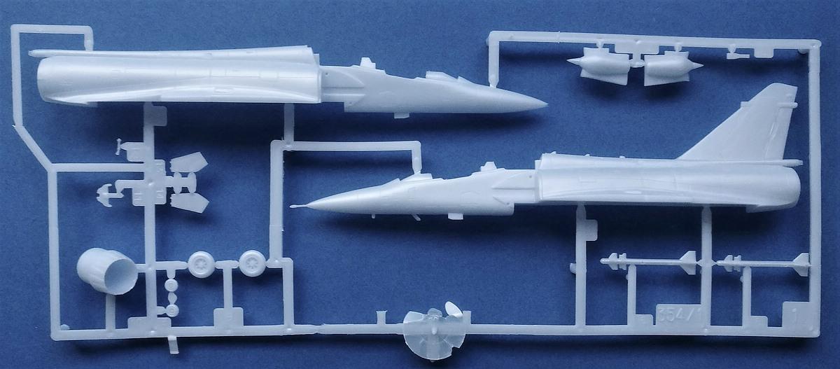 HELLER-80321-AMD-BA-Mirage-2000N-3 Mirage 2000N in 1:72 von Heller #80321