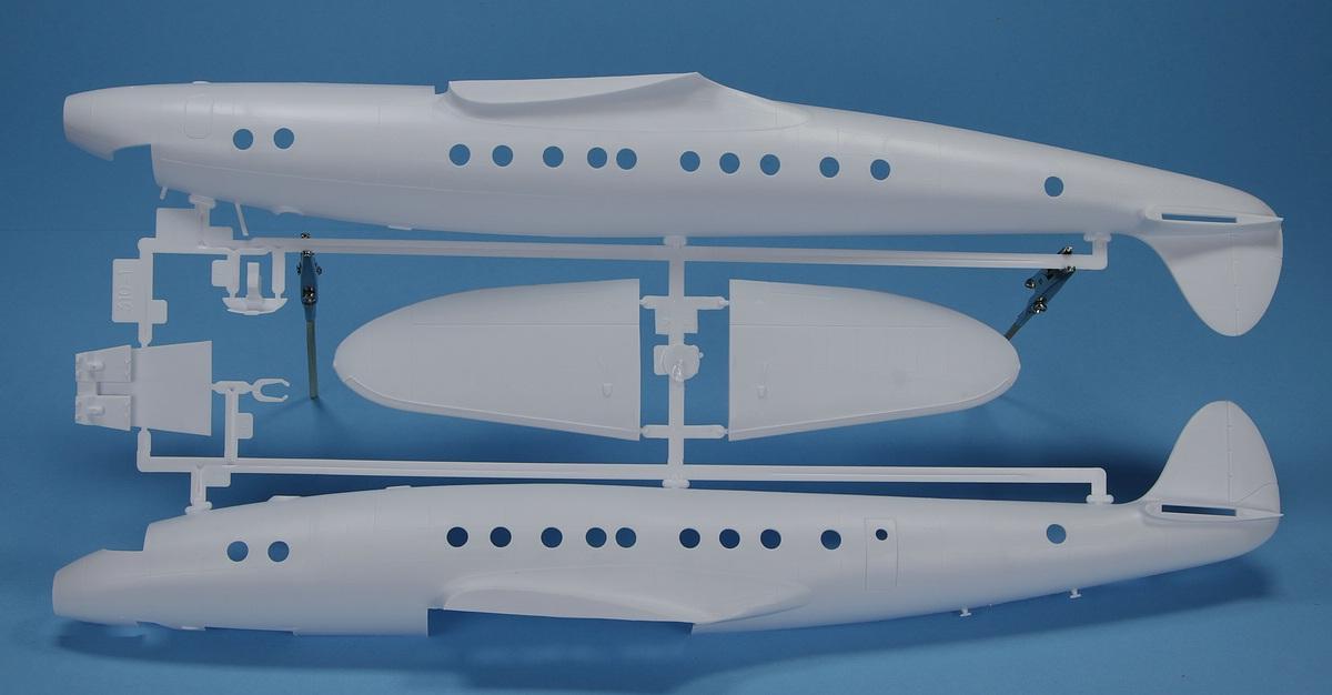 Heller-80382-Lockheed-C-121A-Constellation-Berlin-15 Lockheed C-121A Constellation in 1:72 von Heller #80382