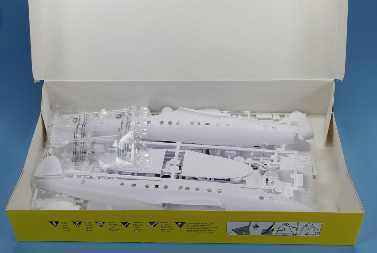 Heller-80382-Lockheed-C-121A-Constellation-Berlin-5 Lockheed C-121A Constellation in 1:72 von Heller #80382