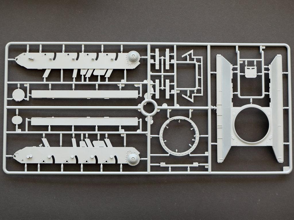 BA T-34/85 w/D-5T Plant 112 Spring 1944 1:35 Miniart (#35290)