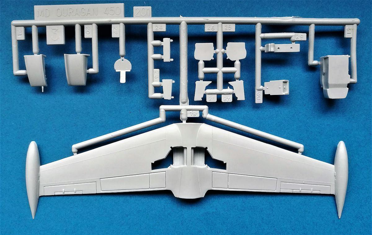 Heller-80201-Dassault-MD-450-Ouragan-6 MD 450 Ouragan in 1:72 von Heller #56201