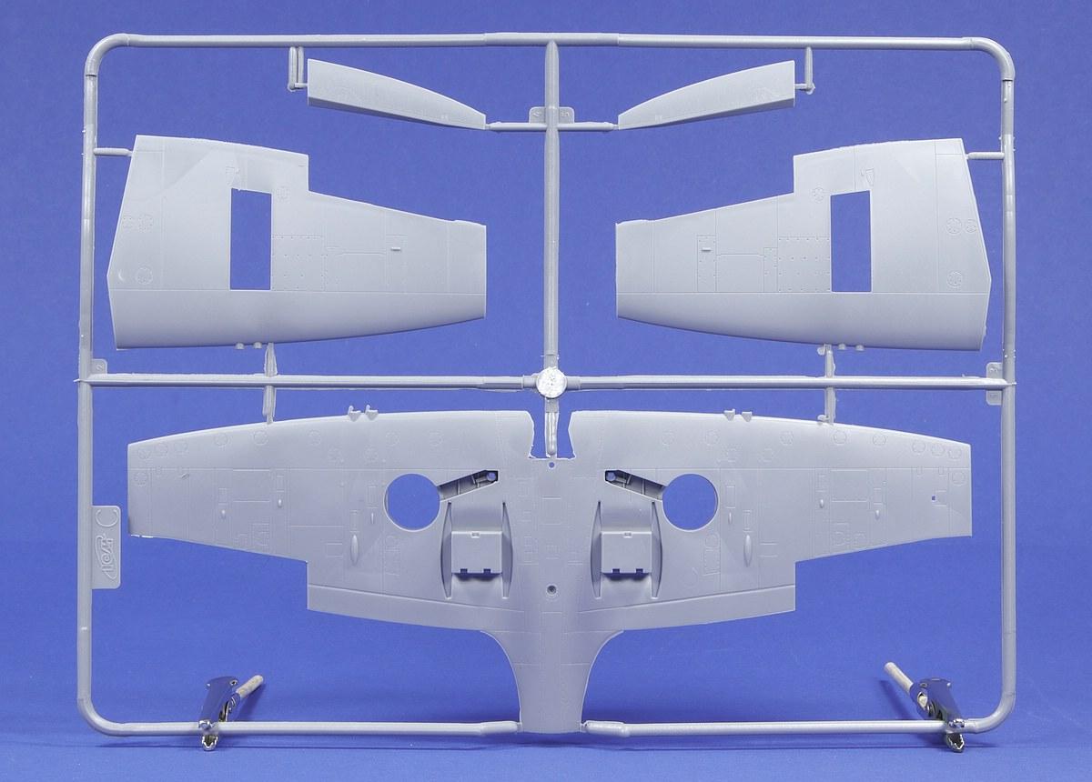 ICM-DS-4802-RAF-Airfield-WW-II-32 RAF Airfield WW II in 1:48 von ICM #DS 4802
