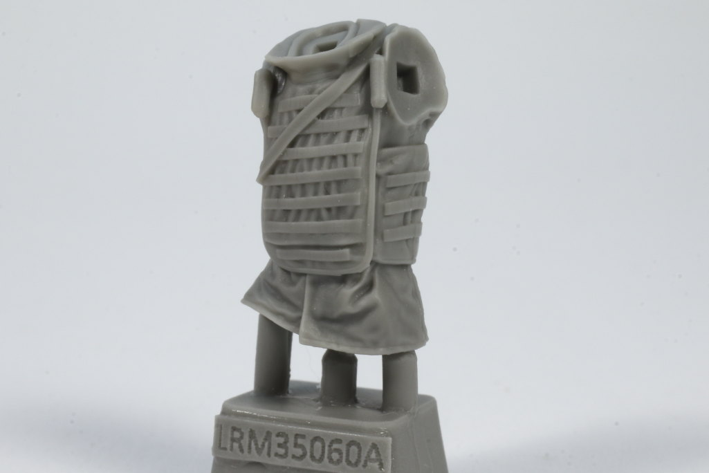 Review_LR_Russian_Driver_1__04 Modern Russian Army AV or truck driver  - Live Resin 1/35 - #LRM35060