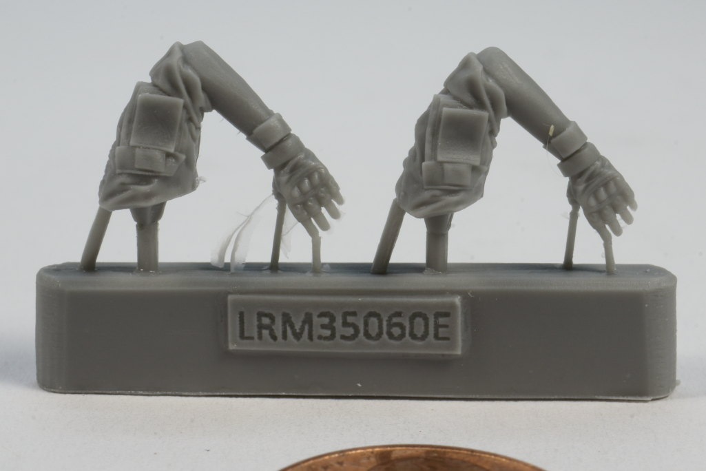Review_LR_Russian_Driver_1__08 Modern Russian Army AV or truck driver  - Live Resin 1/35 - #LRM35060