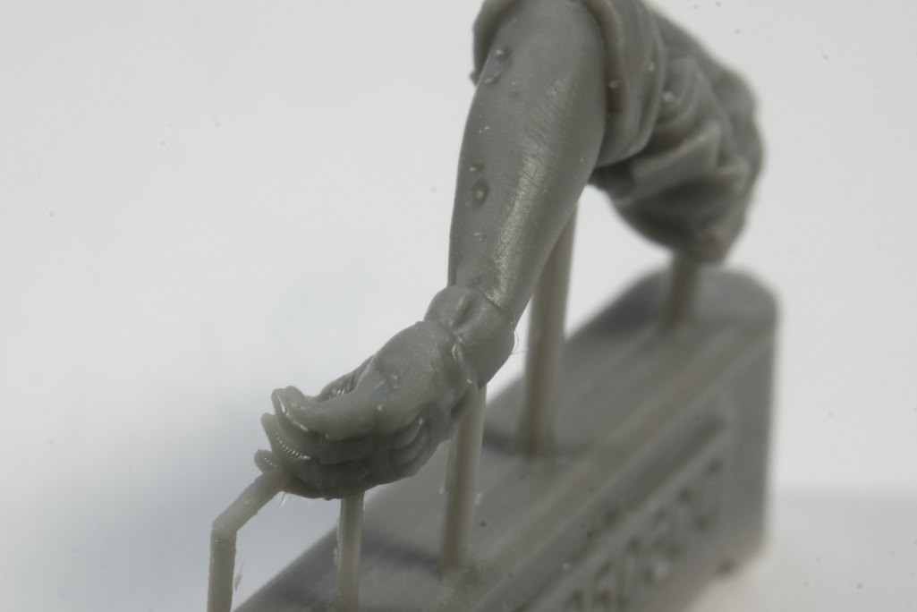 Review_LR_Russian_Driver_1__11 Modern Russian Army AV or truck driver  - Live Resin 1/35 - #LRM35060