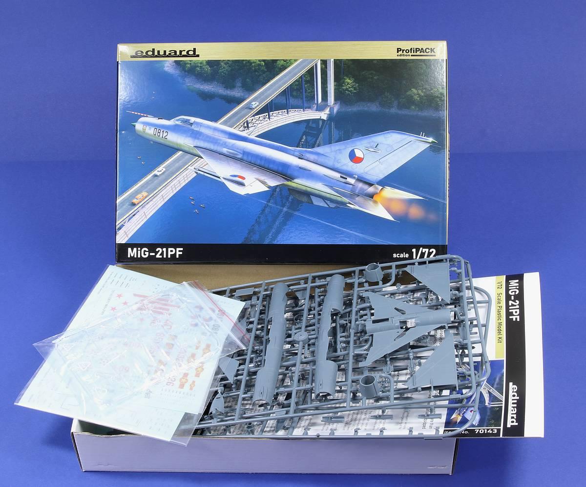 Eduard-70143-MiG-21-PF-ProfiPack-3 MiG-21PF in 1:72 von Eduard #70143