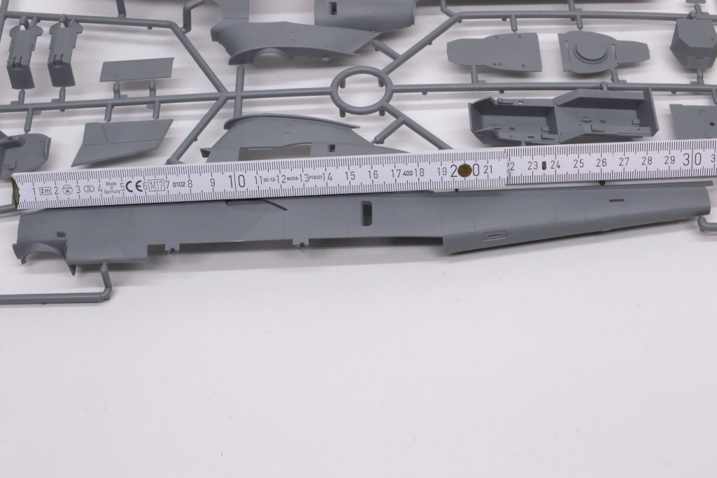 """Review_ICM_AH-1G_early_03 AH-1G """"COBRA"""" (early production) - ICM 1/32"""