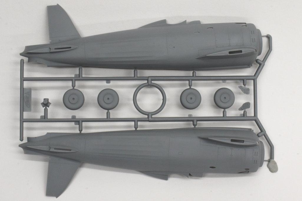 Review_ICM_CR.42_Night_06 Fiat CR.42 CN night fighter - ICM 1/32
