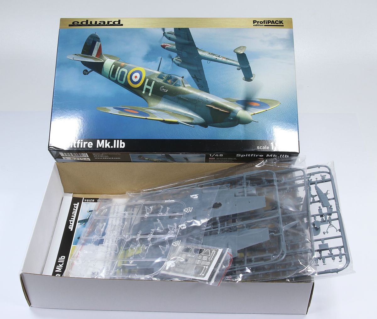 Eduard-82154-Spitfire-Mk.IIb-ProfiPACK-3 Spitfire Mk. IIb in 1:48 als ProfiPACK von Eduard #82154