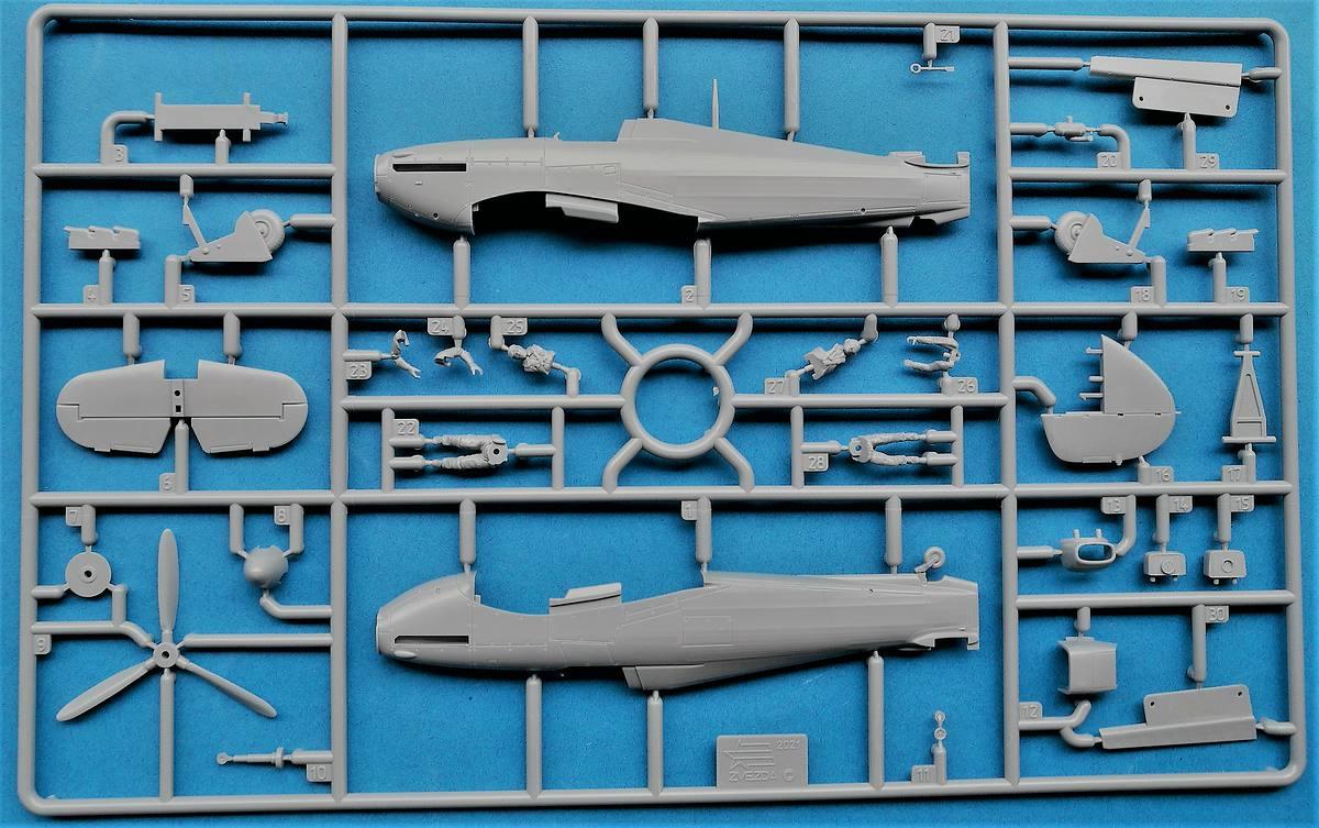 Zvezda-7322-Hawker-Hurricane-Mk.-II-C-12 Hawker Hurricane Mk. II C in 1:72 von Zvezda #7322