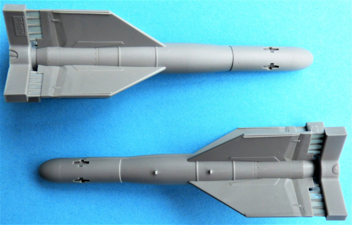 Eduard-648624-GBU-15-3 Gleitbombe GBU-15(V)1/B von Eduard in 1:48 #648624