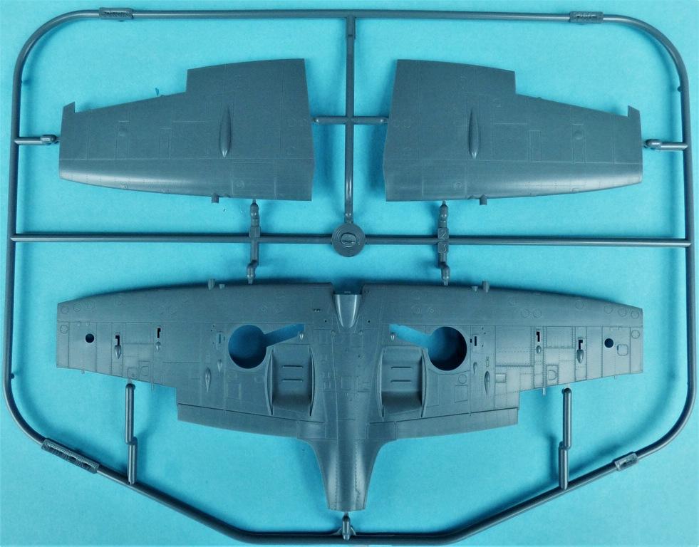 Eduard-8284-Spitfire-Mk.-VIII-ProfiPack-8 Spitfire Mk. VIII in 1:48 als Eduard ProfiPack Wiederauflage # 8284