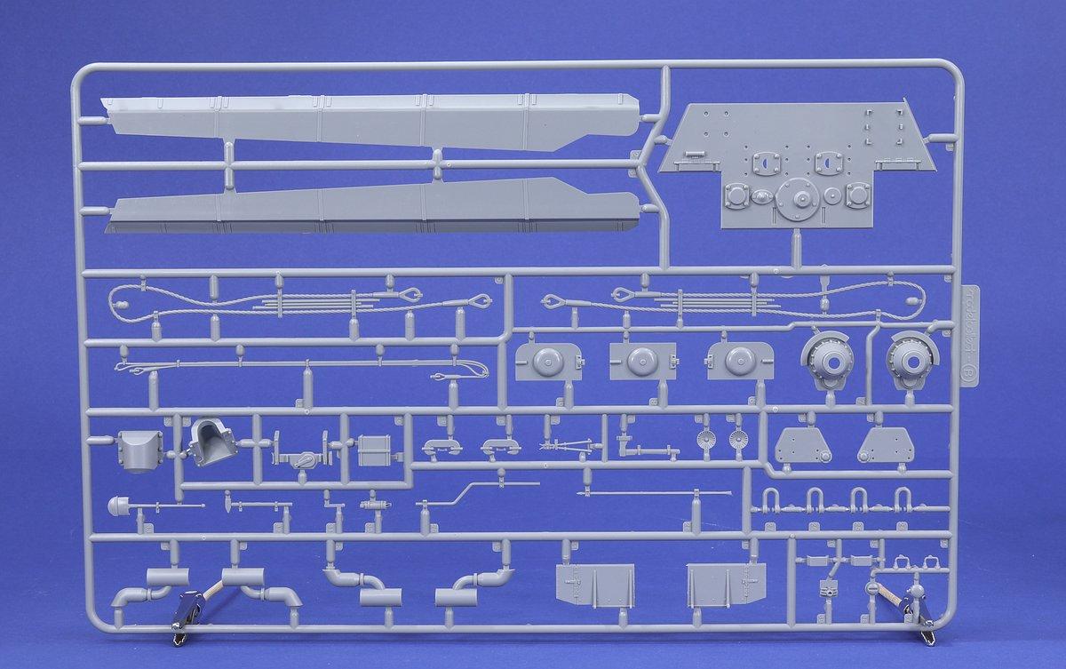ModelCollect-UA-35021-E-60-Saebelzahntiger-4 E-60 Säbelzahntiger in 1:35 von ModelCollect # UA 35021