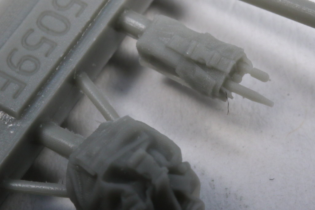 Review_Liferesin_Russ_Driver_2_12 Russian Army APC Driver - Live Resin 1/35