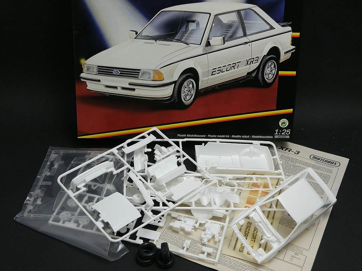 Matchbox-40381-Ford-Escort-XR-3-2 Kit-Archäologie: Ford Escort XR-3 in 1:25 von Matchbox #40381