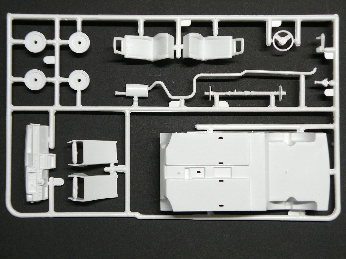 Matchbox-40381-Ford-Escort-XR-3-6 Kit-Archäologie: Ford Escort XR-3 in 1:25 von Matchbox #40381