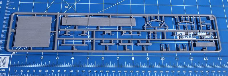 MiniArt-35317-LANZ-Bulldog-D8506-with-cargo-Trailer-21 Lanz D 8506 mit Anhänger in 1:35 von MiniArt # 35317