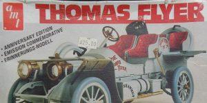 Kit-Archäologie: Thomas Flyer in 1:25 von AMT / Matchbox #PK-4101