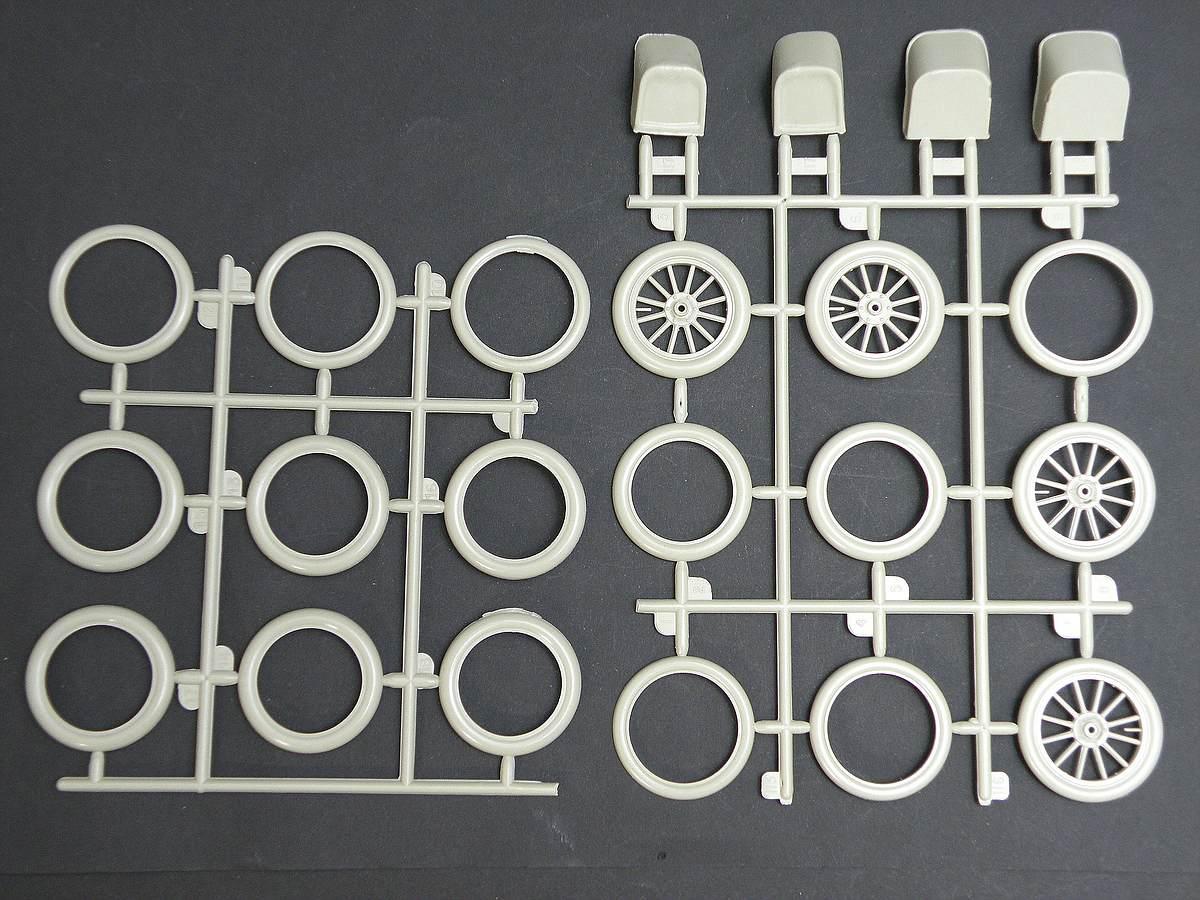 AMT-Matchbox-PK-4101-Thomas-Flyer-12 Kit-Archäologie: Thomas Flyer in 1:25 von AMT / Matchbox #PK-4101