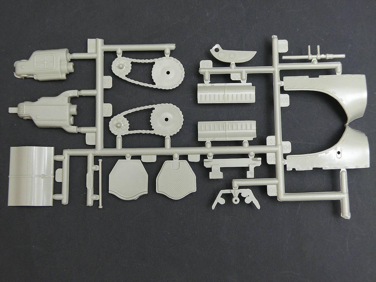 AMT-Matchbox-PK-4101-Thomas-Flyer-16 Kit-Archäologie: Thomas Flyer in 1:25 von AMT / Matchbox #PK-4101