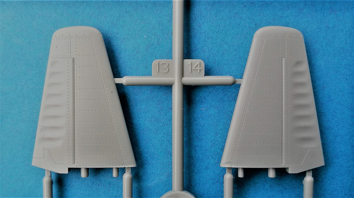 HobbyBoss-81760-La-11-Fang-17 Lavochkin -11 Fang in 1:48 von HobbyBoss # 81760