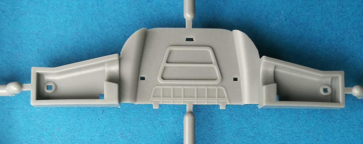HobbyBoss-81760-La-11-Fang-18 Lavochkin -11 Fang in 1:48 von HobbyBoss # 81760