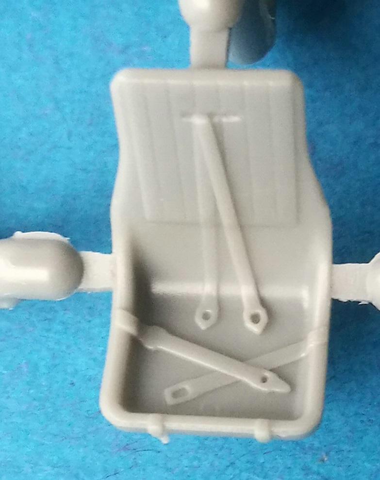 HobbyBoss-81760-La-11-Fang-21 Lavochkin -11 Fang in 1:48 von HobbyBoss # 81760