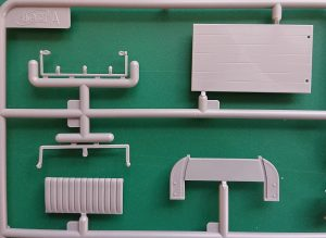 ICM-35664-Model-T-1917-Utility-7-300x219 ICM 35664 Model T 1917 Utility (7)